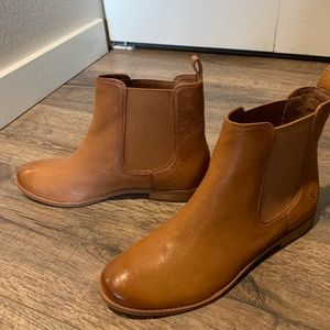 Frye Anna Leather Chelsea Boot